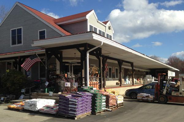 amherst-farmers-supply-front